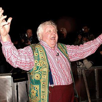 Tributes have been paid to filmmaker Ken Russell, who has died at the age of 84