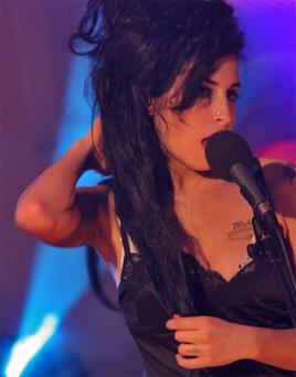 Amy Winehouse, sings live in St James Church, Kerry in 2006