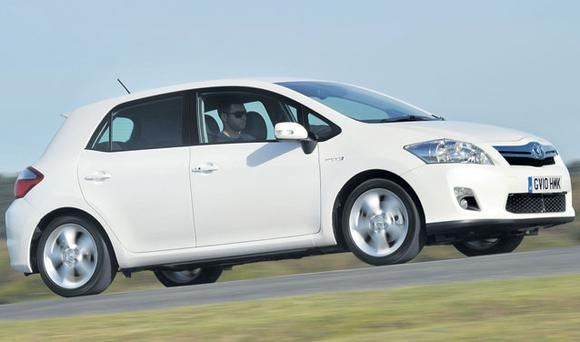 TOYOTAAURIS HYBRID RATING 87/100