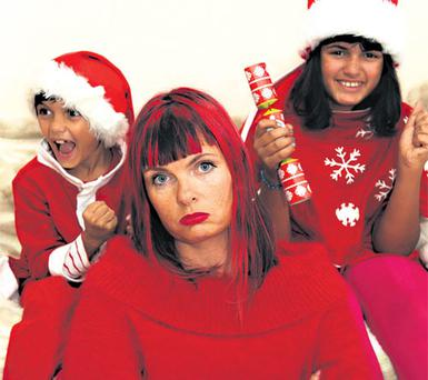 Grinch: Suzanne with her children, Felix and Lola