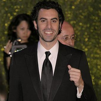 Sacha Baron Cohen and the cast of Les Miserables will sing live on film, it's been reported