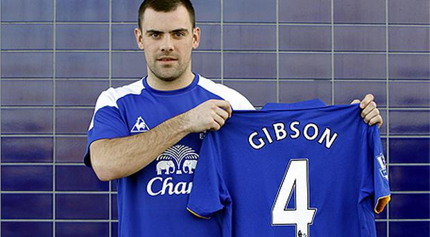 Darron Gibson has completed his move to Everton