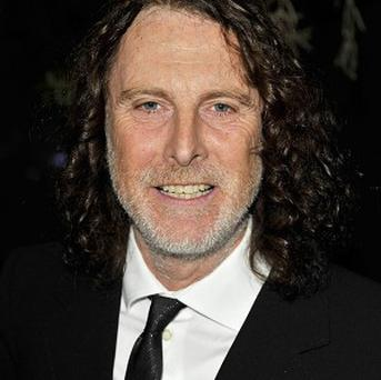 David Threlfall's Shameless character Frank Gallagher will try to use a tunnel to steal Lottery scratchcards