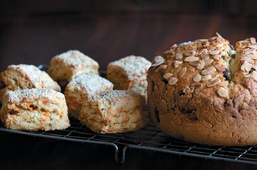 SCONES WITH HERBS AND OLIVES