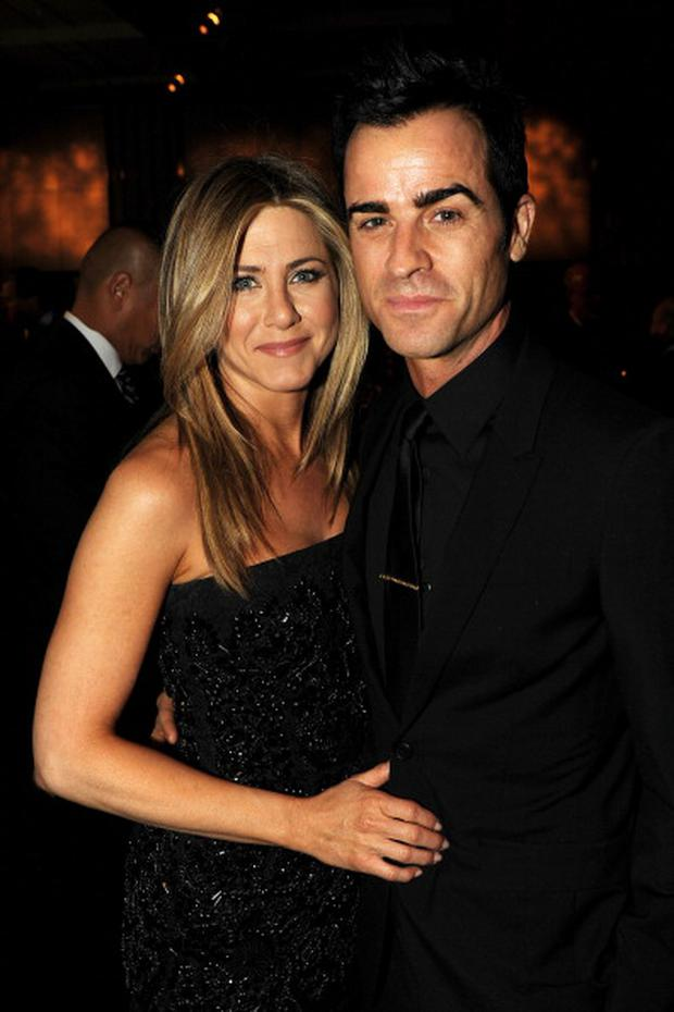 Jen is taking Justin Theroux's surname.