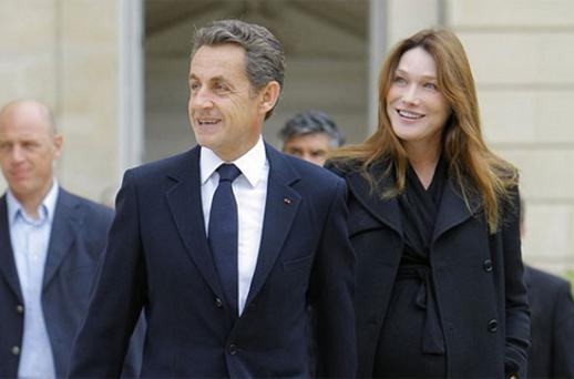 French mayor plans to erect a statue of Carla Bruni. Photo: Reuters