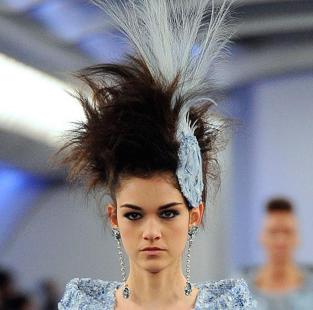 Blue illusion make-up at Chanel haute couture 2012