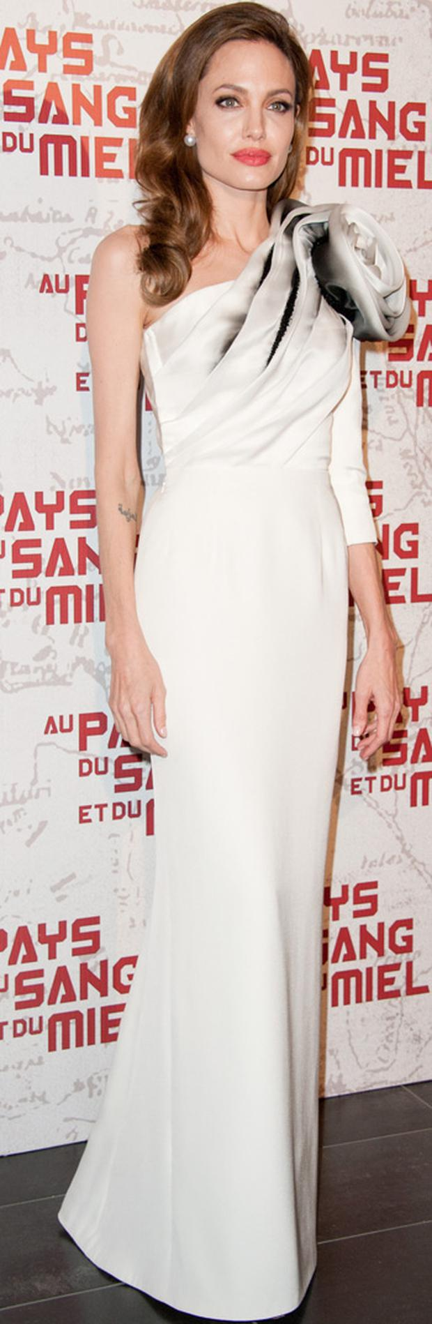 Angelina Jolie wears Ralph & Russo to the 'In the Land Of Blood And Honey' Pairs premiere on February 16, 2012 in Paris, France.