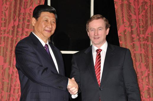 Chinese Vice President Xi Jinping and Taoiseach Enda Kenny shake hands