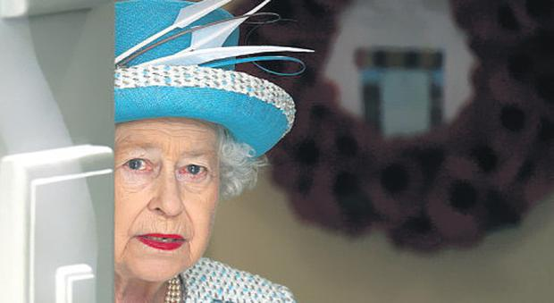 Chris Bellew's picture of Queen Elizabeth before the wreath-laying ceremony in the Garden of Remembrance