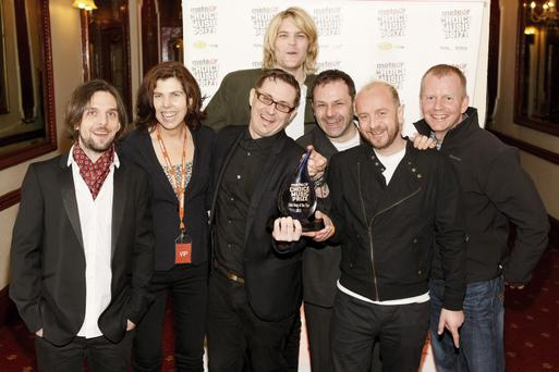 Royseven (l-r) Bernard ONeill, Meadhbh Quinn (Meteor), Darragh Oglesby, Eamonn Barrett, Sam Garland, Paul OHara, John Anslow (Meteor)The Meteor Choice Music Prize Irish Song Of The Year 2011 was awarded to Royseven for the song