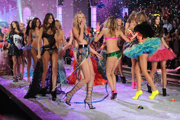 Anne V blows a kiss on the runway during the 2011 Victoria's Secret Fashion Show at the Lexington Avenue Armory on November 9, 2011 in New York City