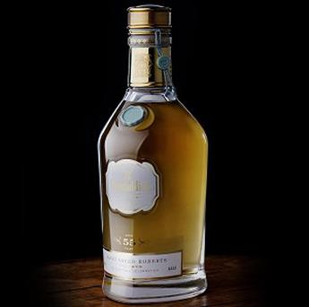 A bottle of Glenfiddich Janet Sheed Roberts Reserve has been auctioned for 42,000 pounds