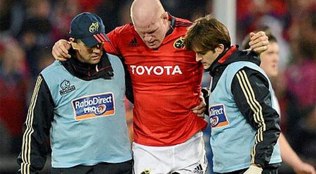 Paul O'Connell, Munster, is forced to leave the game with an injury during the second half. Celtic League, Munster v Ulster, Thomond Park, Limerick. Photo: Sportsfile