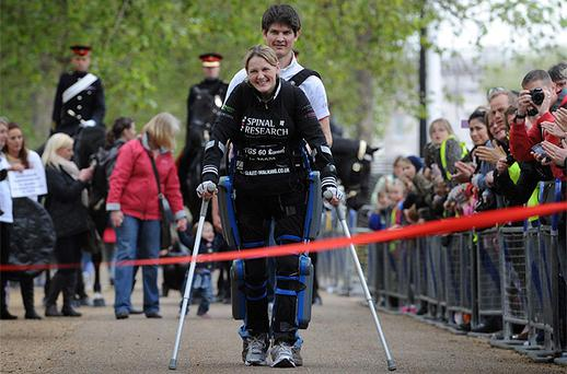 Claire Lomas approaches the finish line at the London Marathon