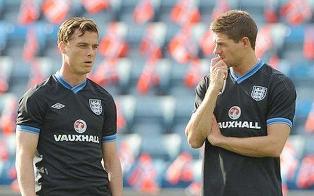 Midfield axis: Scott Paker (left) and Steven Gerrard would be England's first-choice central pairing Photo: PA