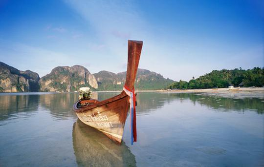 Fishing Boat, Phi Phi Islands, Thailand, Asia. Photo: Getty Images