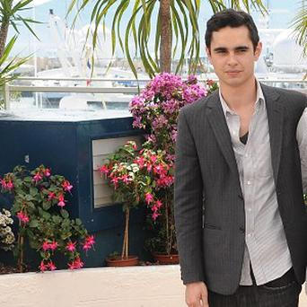 Max Minghella would play a rival intern to Vince Vaughn and Owen Wilson
