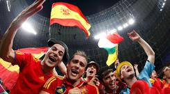 Spainish fans celebrate. Photo: Reuters