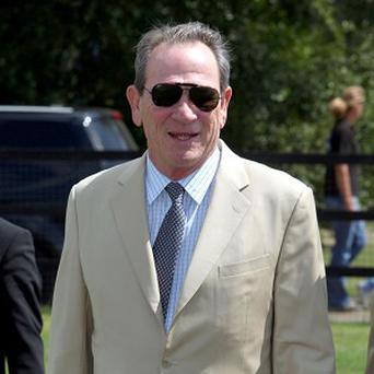Tommy Lee Jones looks set to play an FBI official in Malavita