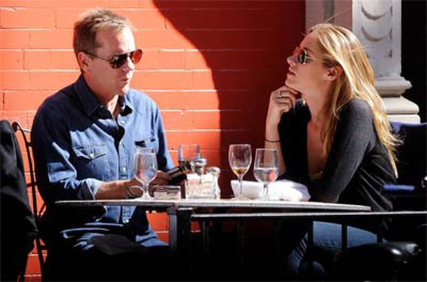 Kiefer Sutherland dines with his ex Siobhan Bonnouvrier in NY. Photo: Getty Images