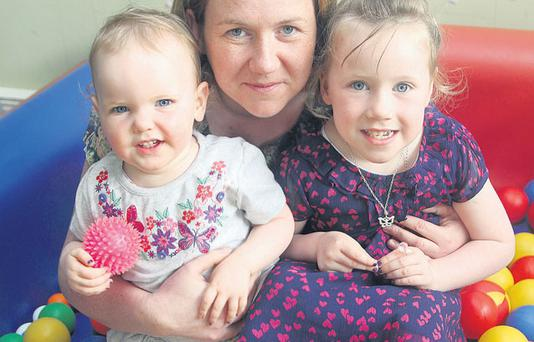 Helena McDonald with her children Olivia (4) and Aoibhín (2). Photo by Lorraine Teevan