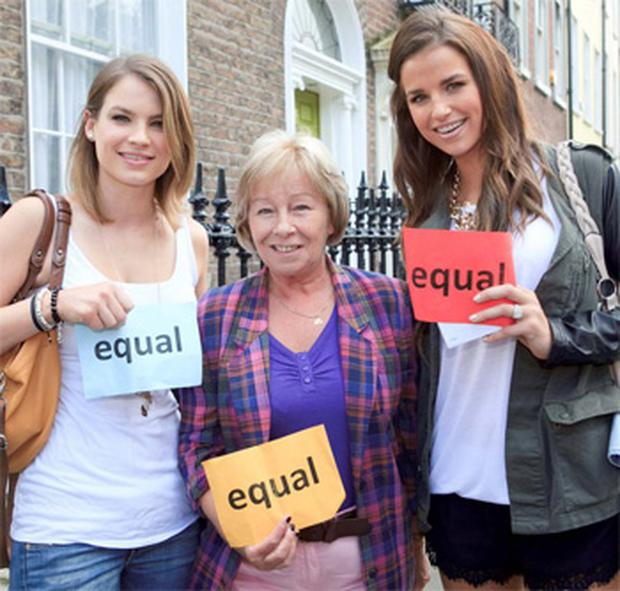 Amber Williams (left) and her sister Vogue with Eilish O'Carroll (centre) on the March for Marriage in Dublin yesterday.