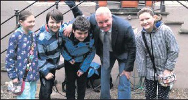 RTE'S rugby pundit Brent Pope meeting Drogheda ABACAS students Kate Doyle, George O'carroll, Sam O'carroll and Niamh Doyle.