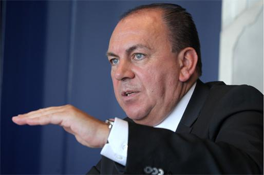 Council member Axel Weber said in an August 19 interview that the ECB should help banks through end-of-year liquidity tensions before determining early next year when to withdraw emergency measures. Photo: Bloomberg News