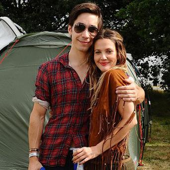 Drew Barrymore and Justin Long have an on-off relationship