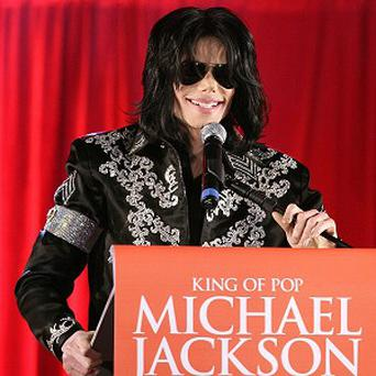 Michael Jackson's doctor wants the case against him dismissed