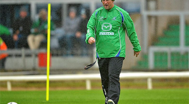 Former Ireland supremo Eddie O'Sullivan is favourite to take over as Connacht's new coach following Eric Elwood's shock decision to leave at the end of the season.