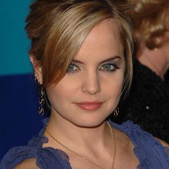 Mena Suvari says she's a clean-living kind of girl