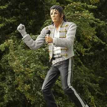 Kayaking London's tour will take fans to see the infamous Michael Jackson statue at Craven Cottage