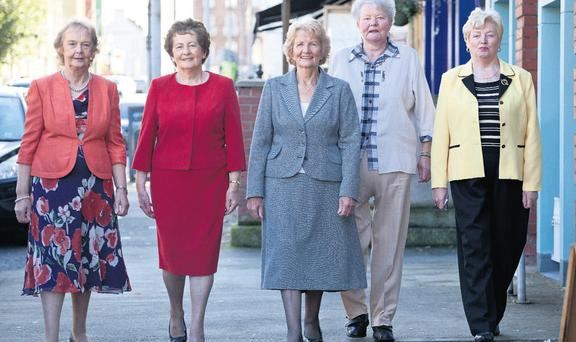 from left: Teresa Dundon, Mary Stratford, Dympna Canny, Kathleen O'Sullivan and Peig Brown celebrate the 50th anniversary of the first female gardai stationed in Limerick. Below, the 'bean gardai' as they were in 1962. Photo: Press 22