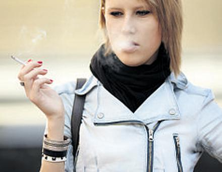 Young people smoke to stay slim, a new study has found