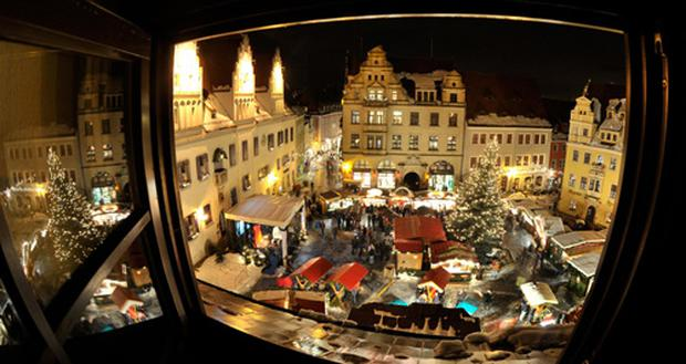 Which Country Hosts Striezelmarkt A Christmas Market Thats Been Held Since 1434.Tradition And Quality Treats Galore In Germany S Christmas