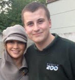 J Lo poses with staff member of Dublin Zoo