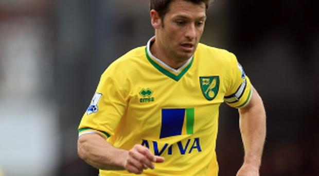 Fulham v Norwich City - Premier League...LONDON, ENGLAND - MARCH 31: Wes Hoolahan of Norwich City in action during the Barclays Premier League match between Fulham and Norwich City at Craven Cottage on March 31, 2012 in London, England. (Photo by Clive Rose/Getty Images)...S