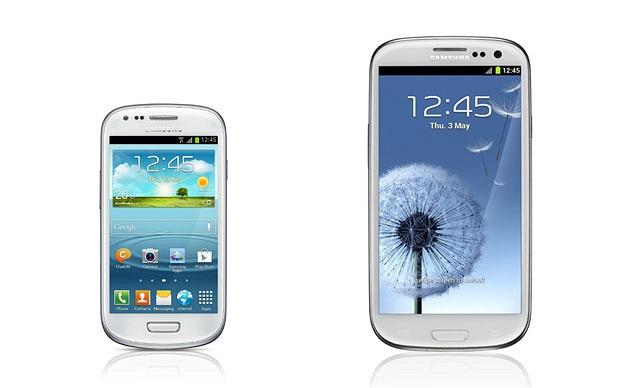 The Smasung Galaxy SIII Mini features a 4'' screen, compared to the SIII's 4.8'' display