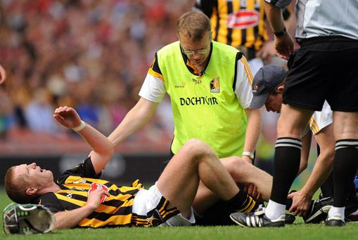 Henry Shefflin goes down during Kilkenny's All-Ireland SHC semi-final clash with Cork last Sunday - the injury has been confirmed as a severed cruciate ligament.