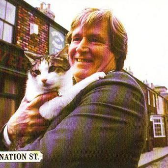 William Roache who plays Ken Barlow with Frisky, whose ashes have sold for 844 pounds