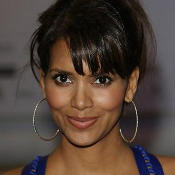 Halle Berry is to star in Shoe Addicts Anonymous