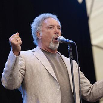 Tom Jones will re-take his driving test in the US