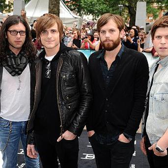 Kings Of Leon had to stop their gig due to pigeon droppings