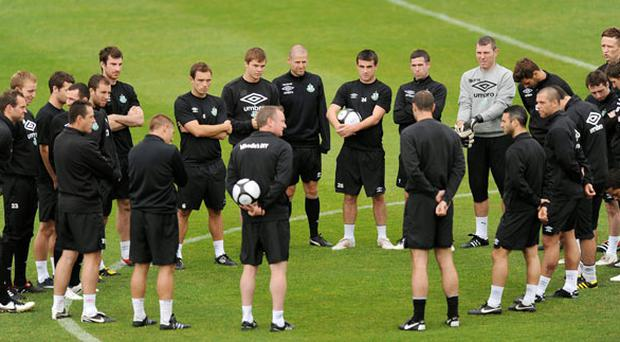 Shamrock Rovers boss Michael O'Neill talks to his players during training at Tallaght Stadium last night.