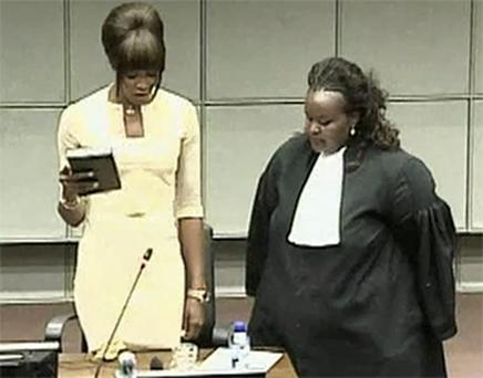 British supermodel Naomi Campbell taking an oath before testifying at the war crimes trial of former Liberian President Charles Taylor at the UN Special Court for Sierra Leone in Leidschendam. Photo: Reuters
