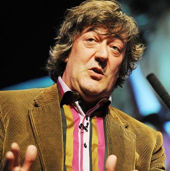Stephen Fry has announced plans for an unscripted one-man show inspired by Twitter fans