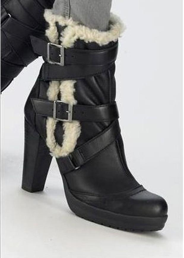 Black boots from Next €90