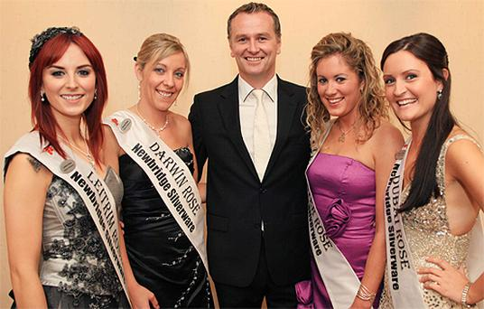 Host Daithi O Se pictured with (from left): Leitrim Rose Martha Gilheany, Darwin Rose Valerie O'Halloran, Leicester Rose Aishling McLoughlin and Dubai Rose Elaine Rael. Photo: Dominick Walsh